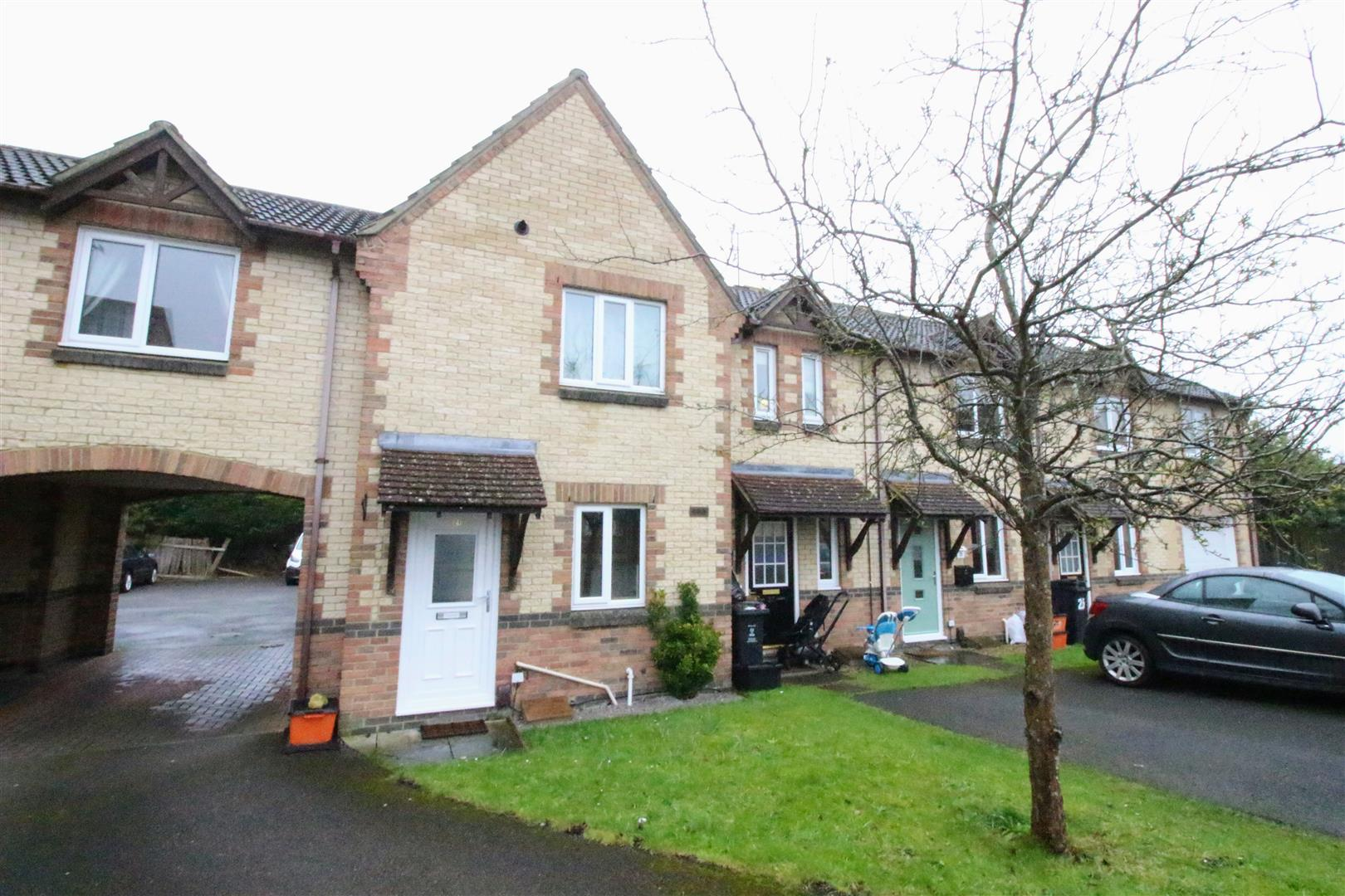 2 Bedrooms Terraced House for sale in Pritchard Close, Upper Stratton, Swindon
